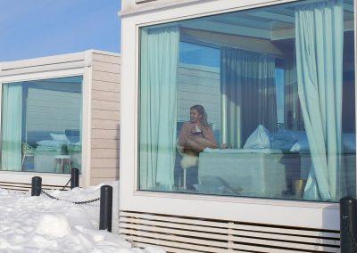 seaside-glass-villa-guest